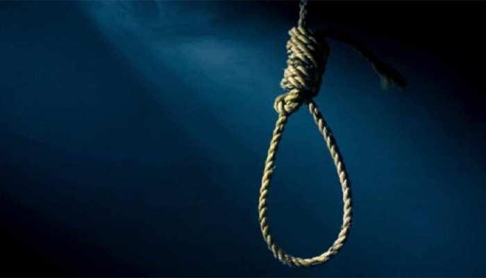 ग्रेटर नोएडा में युवक और महिला ने लगाई फांसी, हत्या या आत्महत्या की गुत्थी में उलझी पुलिस