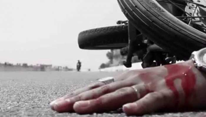 अलवर: सड़क के किनारे खड़े लोगों को ट्रैक्टर ट्रॉली ने मारी टक्कर, दो महिलाओं की मौत