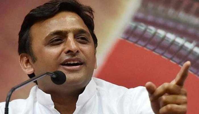 अखिलेश का चाचा शिवपाल पर हमला, प्रगतिशील समाजवादी पार्टी को बताया भाजपा की 'टीम बी'