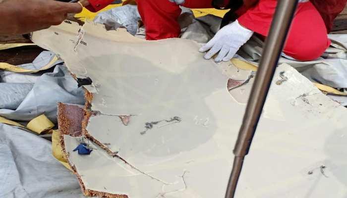 Image result for इंडोनेशिया विमान हादसा: शवों के मिले अवशेष