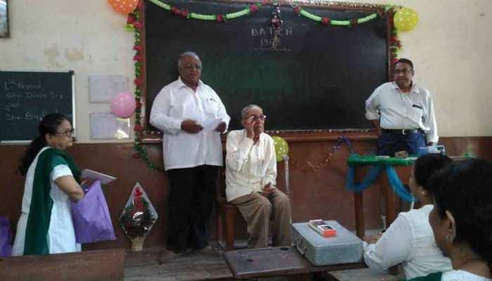 Gujarat: alumni meet in a diwan ballubhai school in Ahmadabad