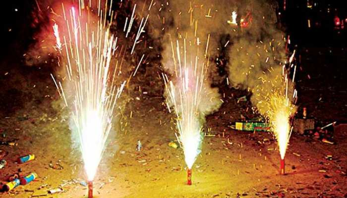 Diwali burning firecrackers will bring health damage, such as safety