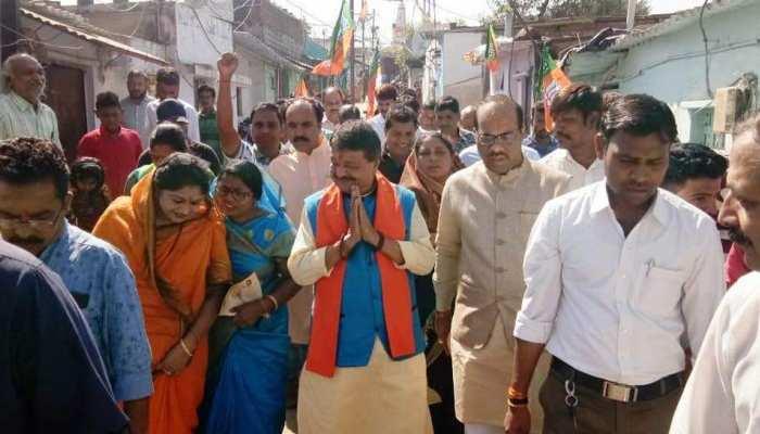 MP: कैलाश विजयवर्गीय ने बेटे आकाश के लिए मांगा टिकट, बोले- 'नेता पुत्र होना बुरा नहीं'