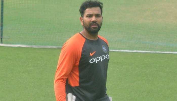 महेंद्र सिंह धोनी हमारे बड़े खिलाड़ी हैं, उनके अनुभव की कमी खलेगी : रोहित शर्मा
