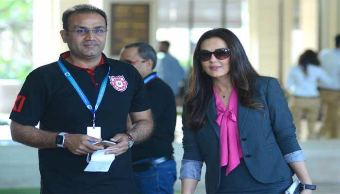 IPL: माइकल हेसन के कोच बनने के बाद KXIP से अलग हुए वीरेंद्र सहवाग