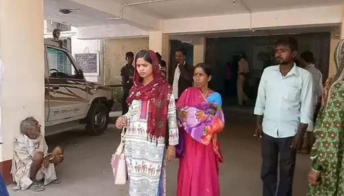 बिहारः महिला की मौत पर पति समेत सास-ससुर खा रहे जेल की हवा, अब जिंदा पहुंची थाने