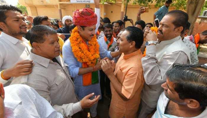 राजस्थान: राठौड़ ने कहा पीएम मोदी से जुड़ना चाहते हैं युवक, कांग्रेस पर भी साधा निशाना