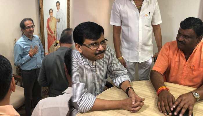 चुनाव से पहले BJP को शिवसेना ने दिया बड़ा झटका, दो दिग्गज नेता हुए 'बागी'
