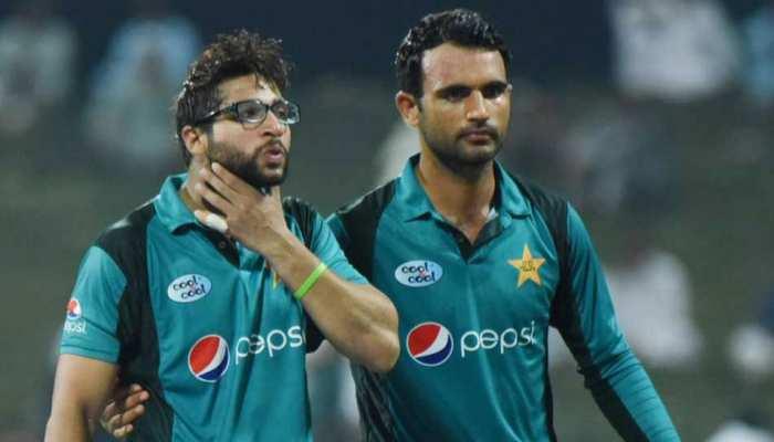 VIDEO: पाकिस्तानी बल्लेबाज के हेलमेट में लगी गेंद, चक्कर आया और मैदान पर गिर गए