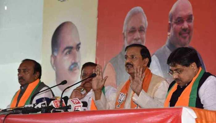 हम अयोध्या में राम मंदिर चाहते हैं, कांग्रेस अपना रूख स्पष्ट करेंः महेश शर्मा
