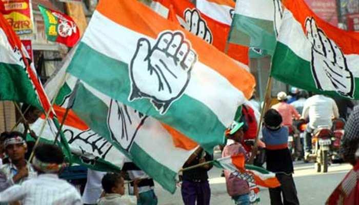 राजस्थान चुनाव: चौमूं में स्थानीय उम्मीदवार के लिए कांग्रेस कार्यकर्ता कर रहे प्रदर्शन
