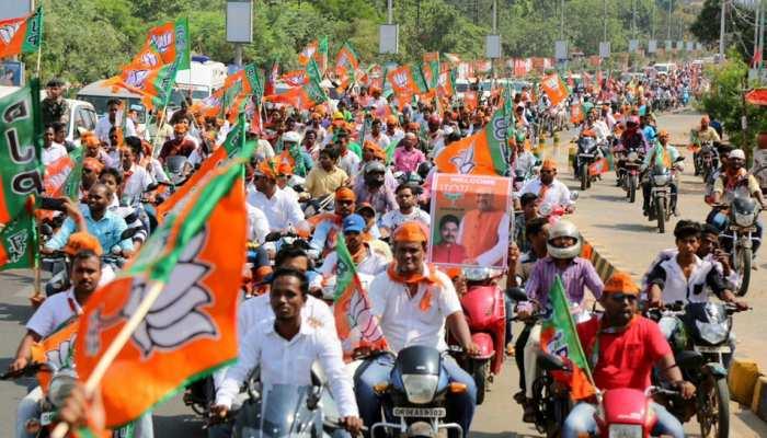 लखनऊ में बीजेपी निकालेगी बाइक रैली, काशी में CM योगी देंगे 'कमल संदेश'