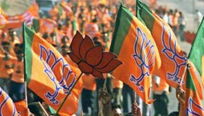 राजस्थान: बीजेपी उम्मीदवारों के नामांकन का सिलसिला जारी, वसुंधरा समेत कई उम्मीदवारों ने भरा परचा