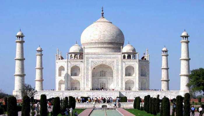 ताजमहल में नमाज के बाद अब की गई पूजा, बजरंग दल ने कहा- आगे भी करेंगे