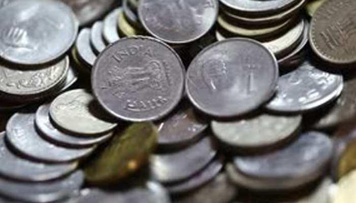 राजस्थान: निर्दलीय प्रत्याशी ने अनोखे अंदाज में भरा नामांकन, 5 हजार सिक्कों से भरी फीस