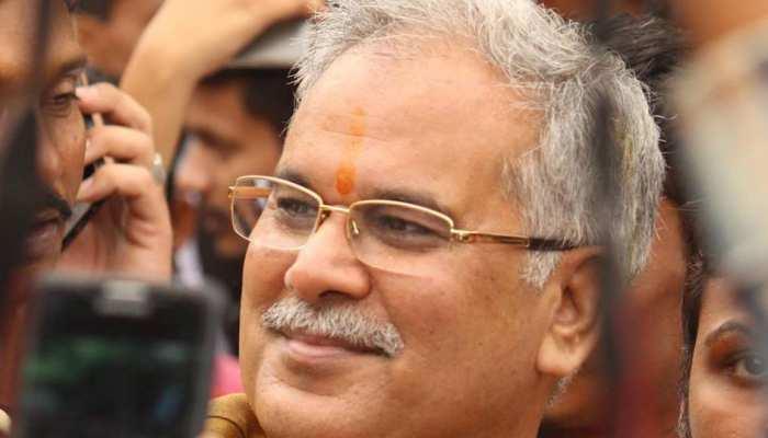 भूपेश बघेल: जिनका विवादों से रहा है नाता और चुनावी अखाड़े में भतीजा देता रहा टक्कर
