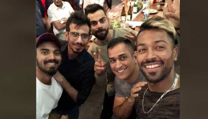 VIDEO: युजवेंद्र फोन पर सबसे ज्यादा बिजी, राहुल को शॉपिंग पसंद, जानिए टीम इंडिया के मजेदार राज