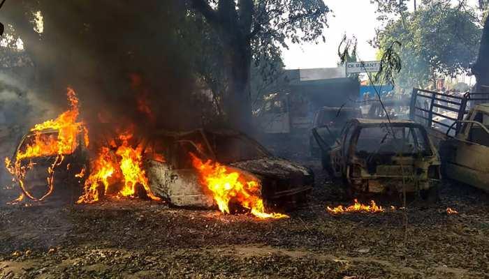 बुलंदशहर : मारे गए SHO के ड्राइवर और एडीजी ने बताई हिंसा पर उतारू भीड़ की कहानी