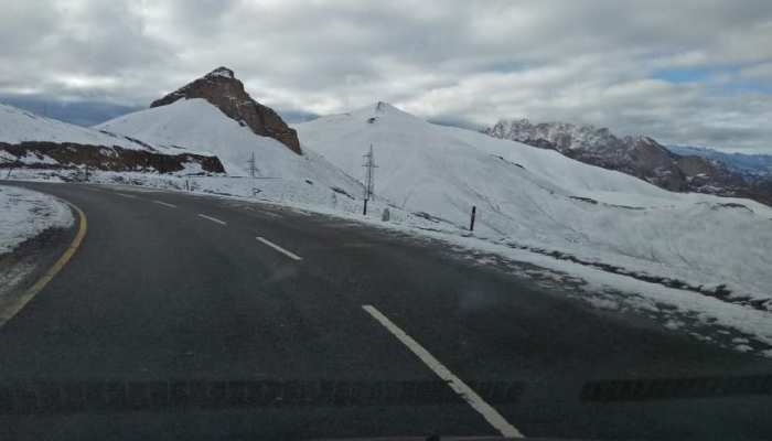 Coldness in Kashmir, affecting -3.2 due to cold wave