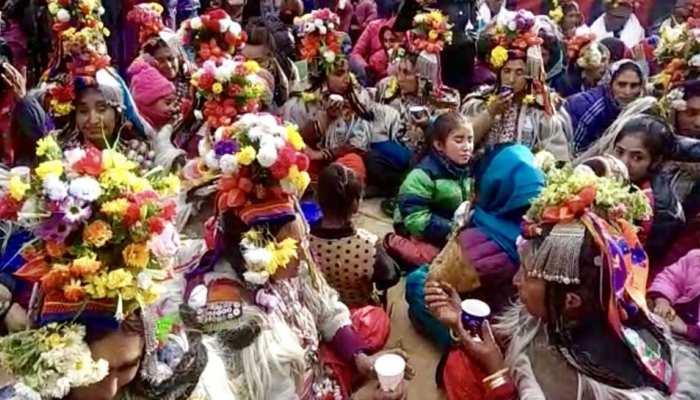 Ladkha aryan kabila people celebration for Old age people