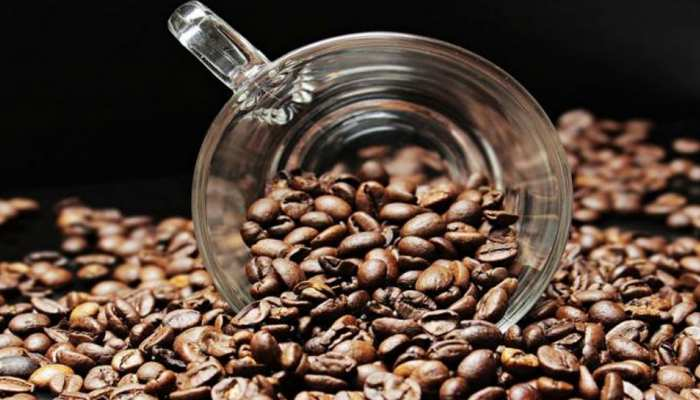 Take care of the skin in winter with coffee