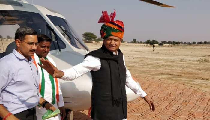 राजस्थान : अशोक गहलोत से मिलने पहुंचने लगे विधायक, कल होना है शपथ ग्रहण
