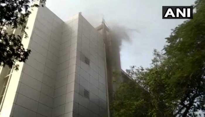 मुंबई के अस्पताल में लगी आग, 6 की मौत, 50 से ज्यादा लोग झुलसे